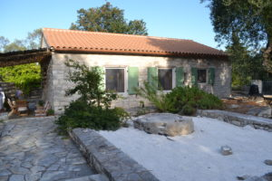 Monolitharo Cottage Paxos Accommodation