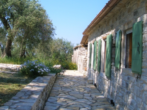 monolitharo traditional cottage accommodation in paxos greece